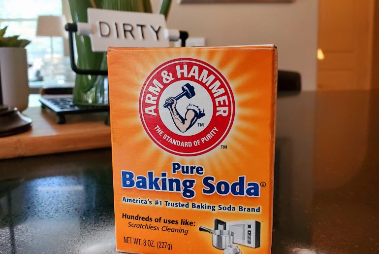 baking-soda-dishwasher-cleaning