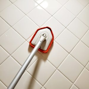 oxo-tile-and-tub-scrubber-shower-brush