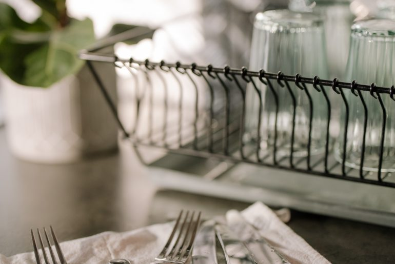 21-easy-ways-on-how-to-keep-your-kitchen-clean-as-you-cook