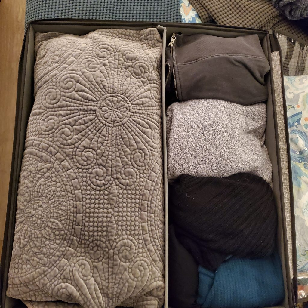 storageLAB-under-the-bed-organziing-bin-with-wheels-and-cover-can-hold-heavy-cardigan-sweaters-and-a-queen-sized-quilt
