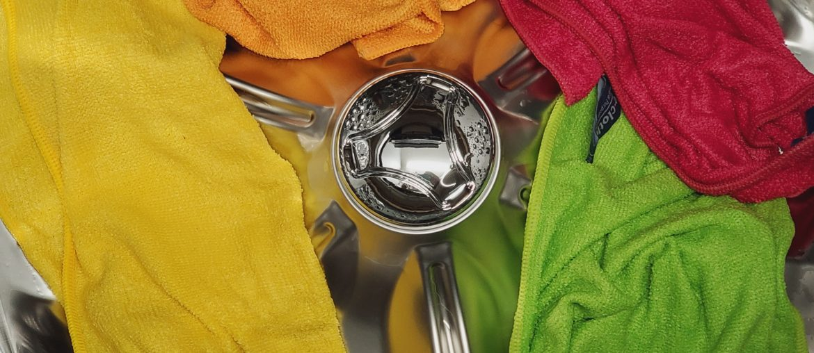 Cleaning-microfiber-cloths-and-towels