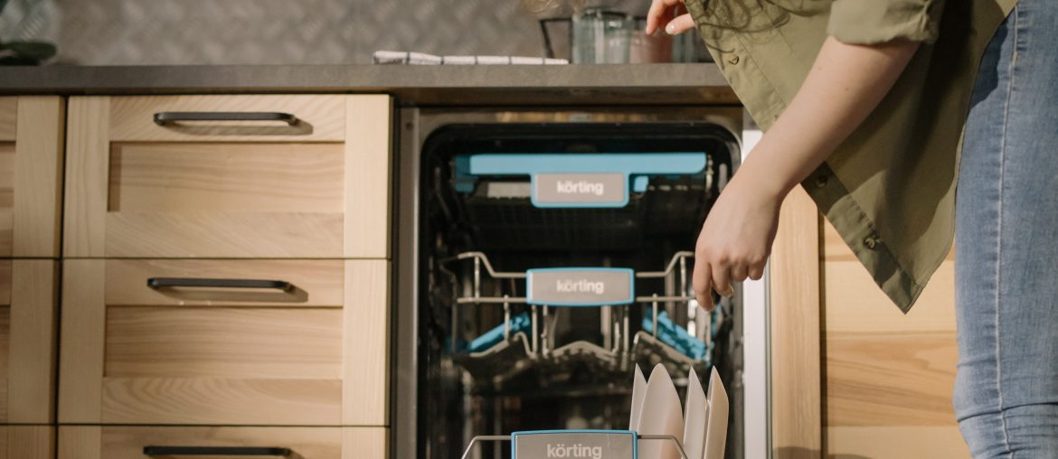 Easy-2-minute-chores-you-can-do-at-virtually-any-time