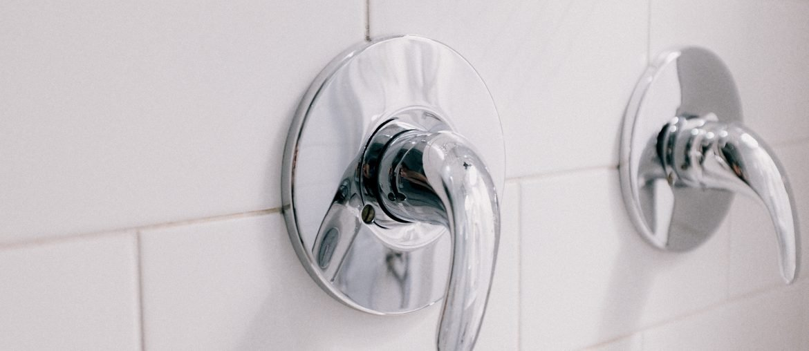 fall-cleaning-checklist-for-the-bathroom