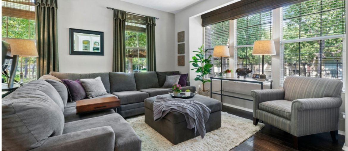 fall-cleaning-checklist-living-room