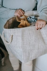 fall-decluttering-checkllist-and-tips